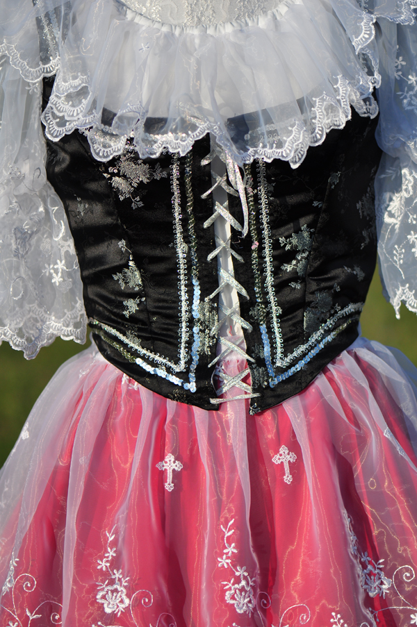 Detail of the bodice.